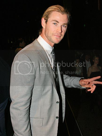 photo chris-hemsworth-435-8_zpsc3cb6bb0.jpg